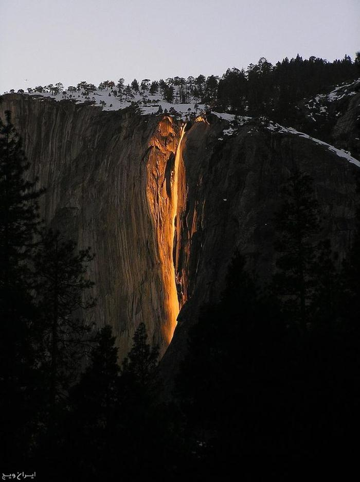 آبشار آتش کالیفرنیا