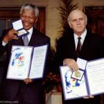 مرگ نلسون ماندلا قهرمان مبارزه با آپارتاید در سن ۹۵ سالگی