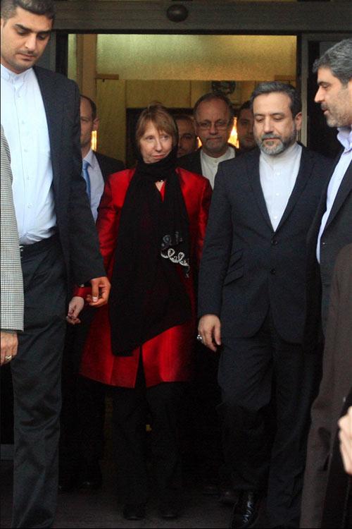 کاترین اشتون برای دیدار با مقامات ایرانی وارد تهران شد.