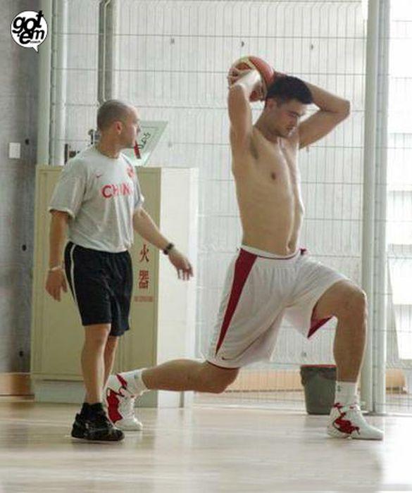 یائو مینگ غول بسکتبال دنیا