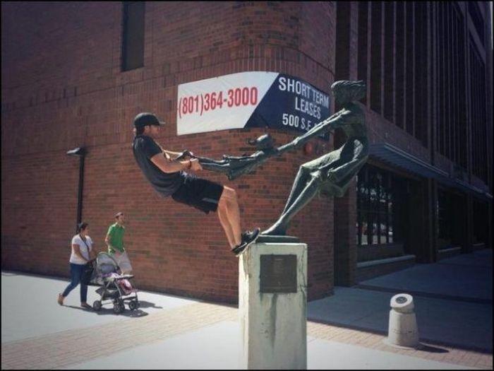 شوخی با مجسمه ها
