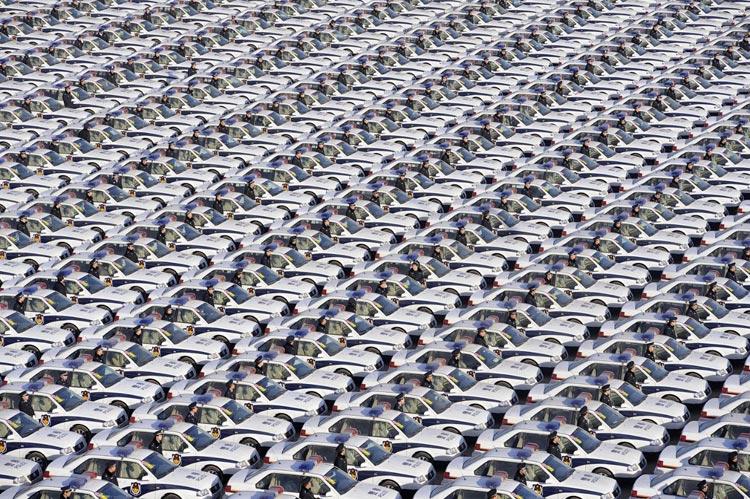 هنر چینی ها در مانورها منظم جمعیتی
