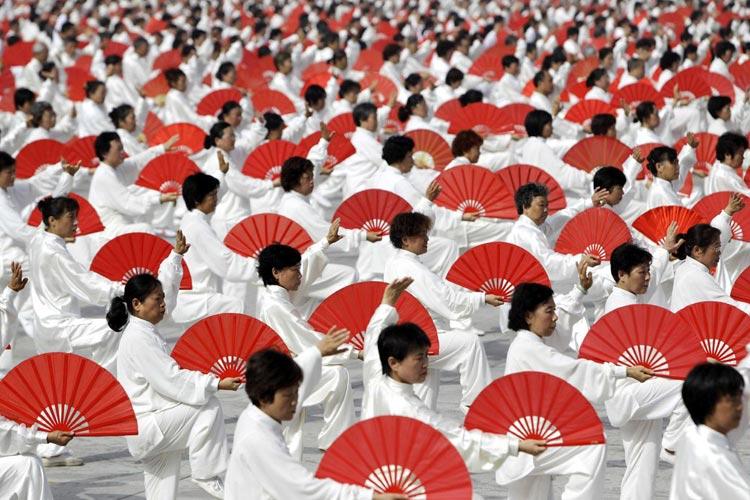 هنر چینی ها در مانورهای  جمعیتی