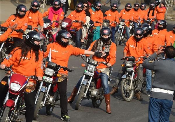 زنان موتور سوار در پاکستان
