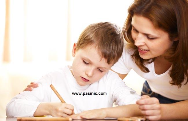 چگونه فرزندم را به انجام تکالیف مدرسه تشویق کنم؟