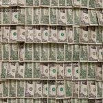 ساخت اتاقی با اسکناس دلار