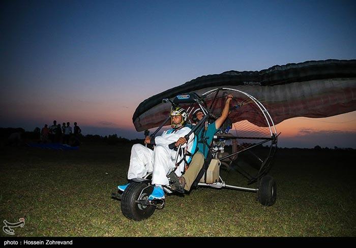 پرواز با پاراموتور به روایت تصویر