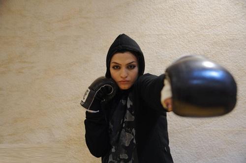 صدف خادم اولین دختر بوکسور ایران
