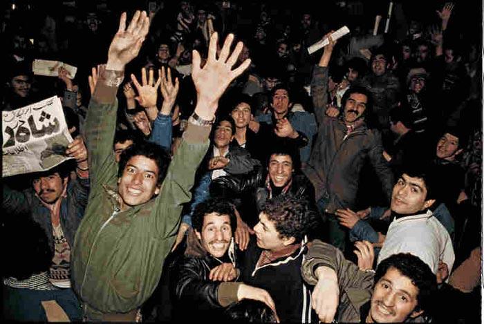 تصاویر کمتر دیده شده از خروج شاه از ایران