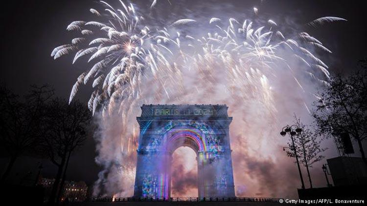 مراسم آتش بازی سال 2017 در سراسر جهان