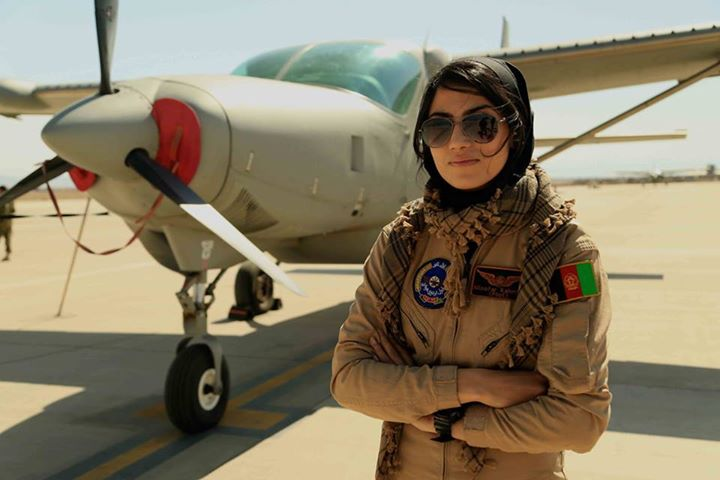 نیلوفر رحمانی زیباترین خلبان زن دنیا در نیروی هوایی افغانستان