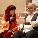 حضور اکبر عبدی در نمایش کمدی مش اکبر و دختراش