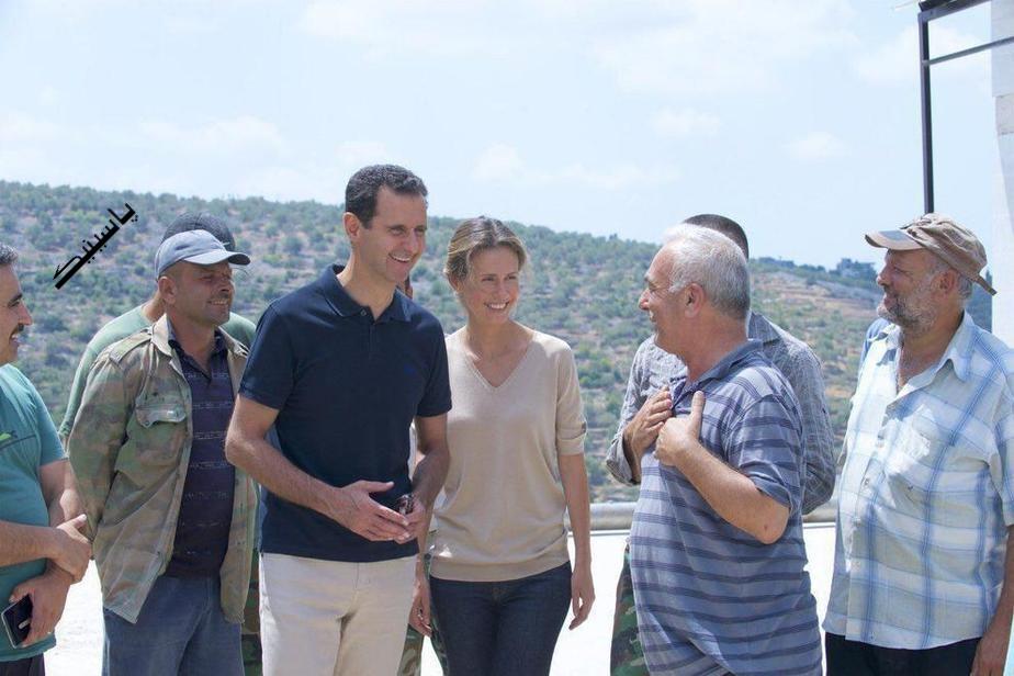 بشار اسد و همسرش اسما در حومه شهر ساحلی طرطوس