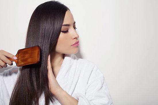 روشهایی برای جلوگیری از شکننده شدن موها در تابستان